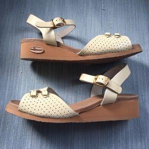 VTG Marshmallow Sandals